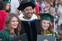 Surendra Subramani with 2015 graduates